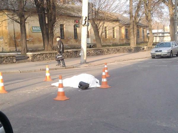Кривава ДТП, насмерть збили жінку (ФОТО)