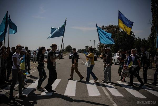 Після блокування товарів та відключення світла активісти готують Криму ще дві блокади (Відео)