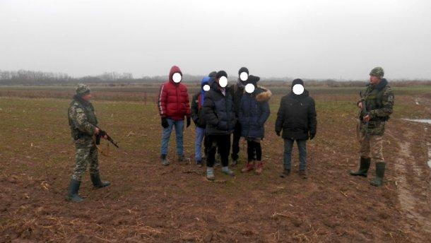 Українського прикордонника підозрюють у сприянні нелегальній міграції