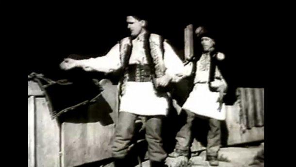 Как выглядела украинская свадьба в 40-х годах, — обнародовали уникальное видеоКак выглядела украинская свадьба в 40-х годах, — обнародовали уникальное видео