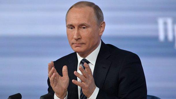 Путін вперше публічно підтвердив наявність російських військ на Донбасі, — Порошенко