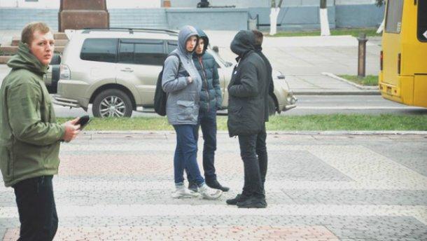 Активісту відкусили вухо після сесії міськради у Херсоні: з'явилися фото (18+)