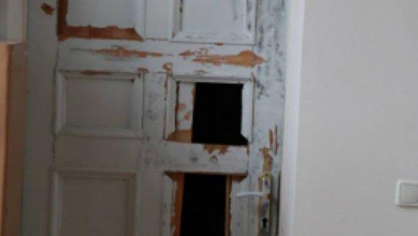 У Полтаві вибили двері в кабінет мера (Фото)
