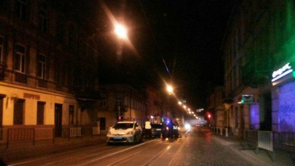 У Львові нічне ДТП за участю поліції (ФОТО)