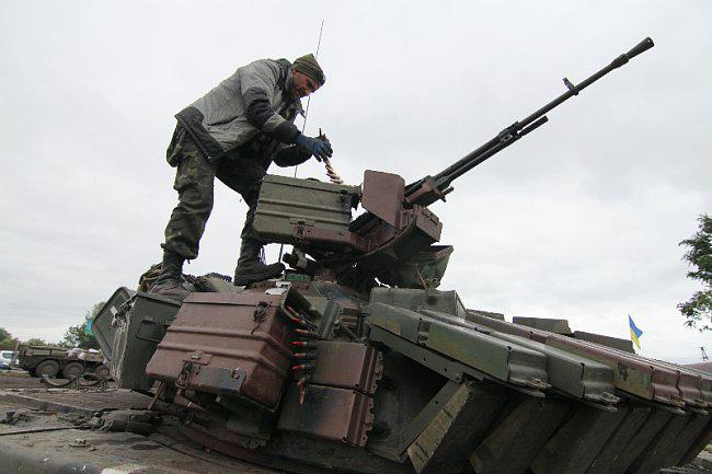 Террористы перегруппировываются и оттесняют силы АТО от Донецка