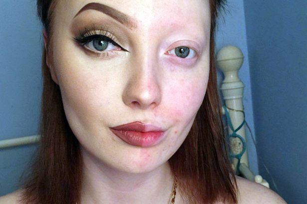 """Жестокая реакция на девушку, запостившую селфи с """"половинным"""" макияжем, шокировала интернет (ФОТО)"""