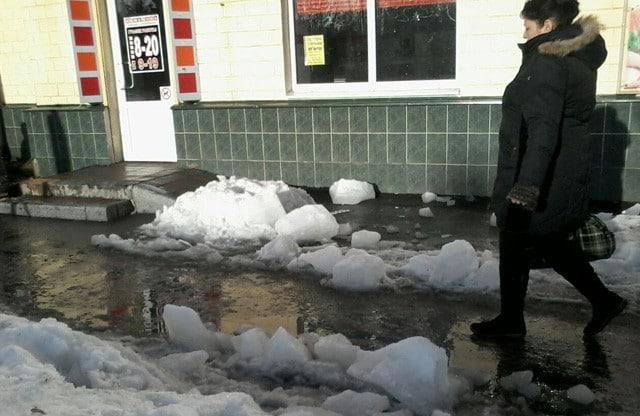 У Полтаві гігантська брила льоду вбила жінку (ФОТО)