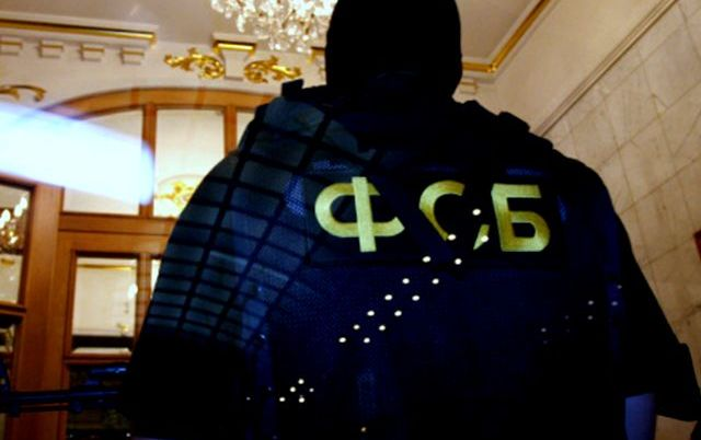 Жители оккупированного Новоазовска поймали офицера ФСБ на угоне автомобиля