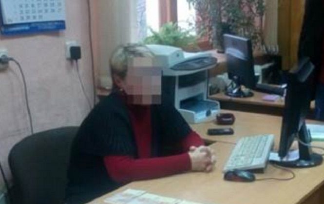 В Харькове разоблачили чиновницу, которая вымогала деньги у местных бизнесменов