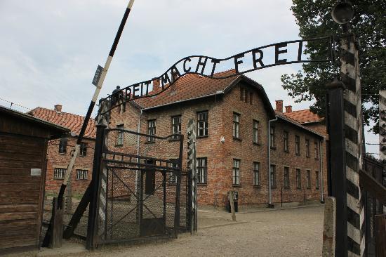 Колишній фельдшер Освенцима постане перед судом у Німеччині