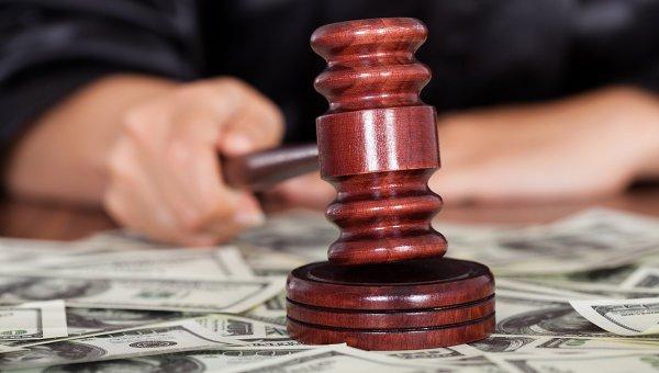 Син судді Конституційного суду опинився в центрі корупційного скандалу (ВІДЕО)