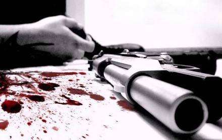 Полицейский пытался застрелиться во время задержания на взятке