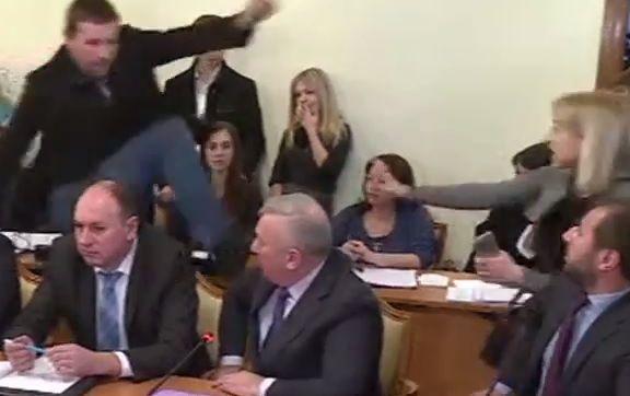 Суд відмовив Пісному в задоволенні позову проти Парасюка