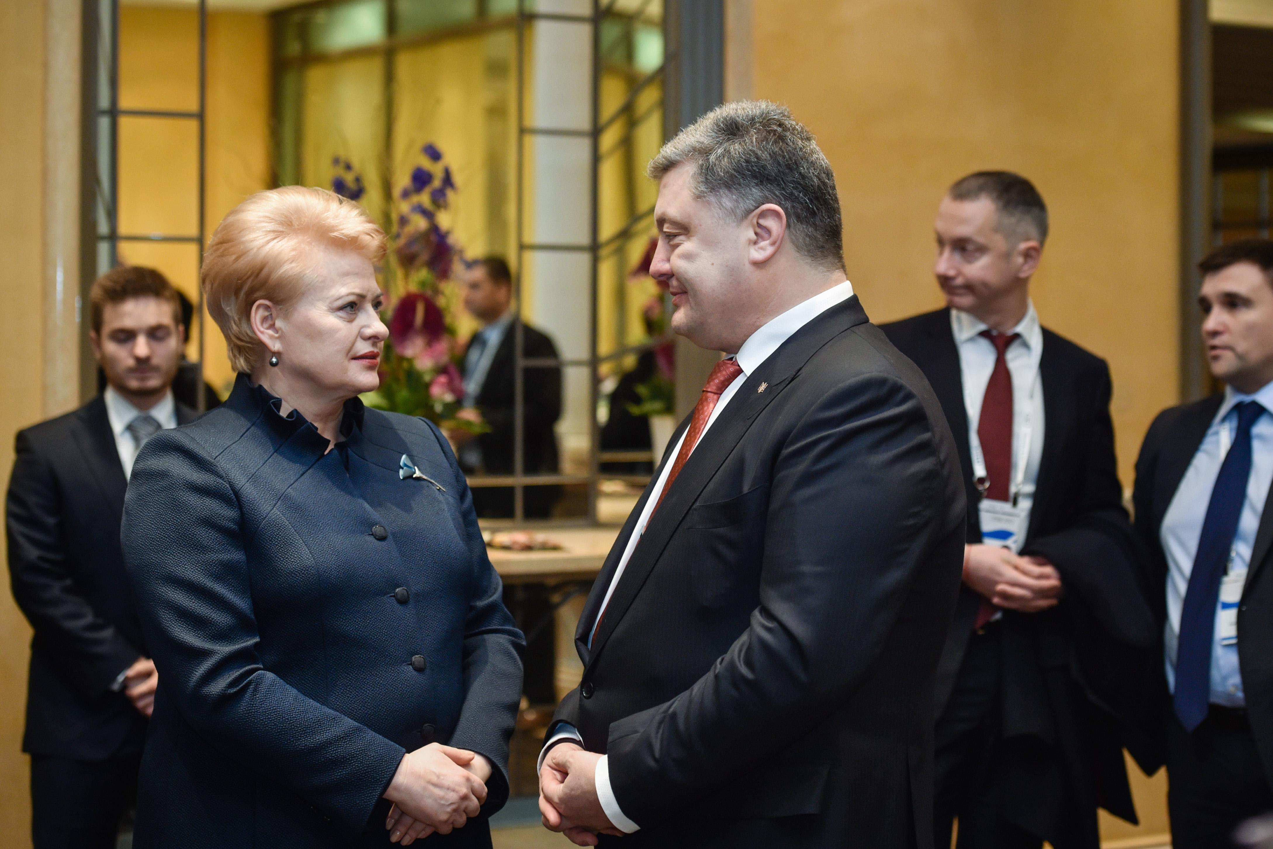 Порошенко в Мюнхене провел встречу с президентом Литвы Грибаускайте