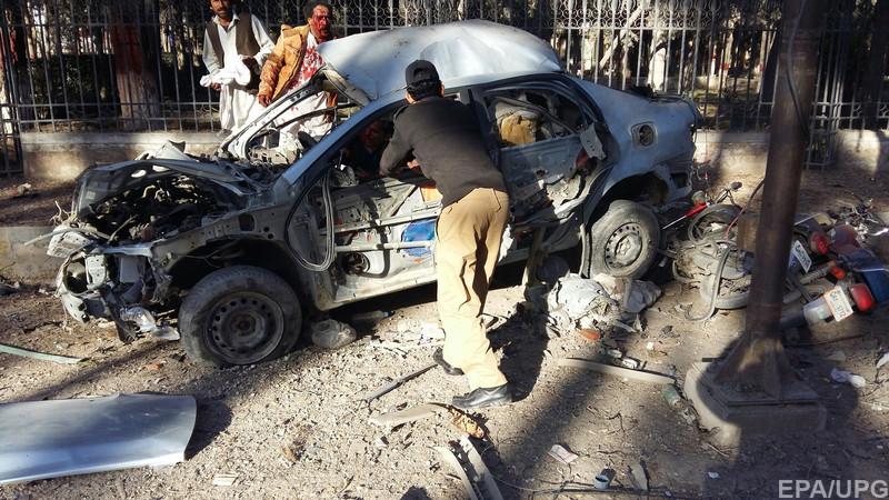 В результаті теракту в Пакистані загинуло не менше дев'яти осіб (Фото)