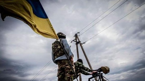 Украинские военные могут стрелять в ответ, – Муженко