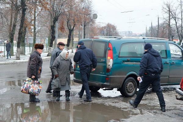 У Луцьку патрульна поліція почала штрафувати пішоходів