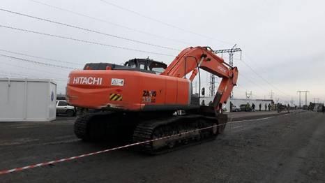 """В Марьинке в """"ДНР"""" не пропустили экскаватор за 5 млн грн"""