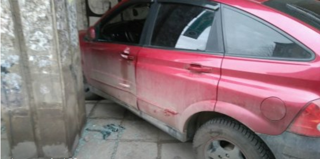 У центрі Львова авто на тротуарі задавило жінку (ФОТО)