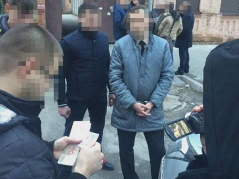 Майора ДСНС та посередника затримали з хабарем на Дніпропетровщині