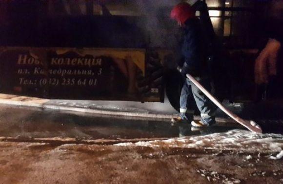 По дорозі в автопарк у Львові загорілася маршрутка (ВІДЕО)