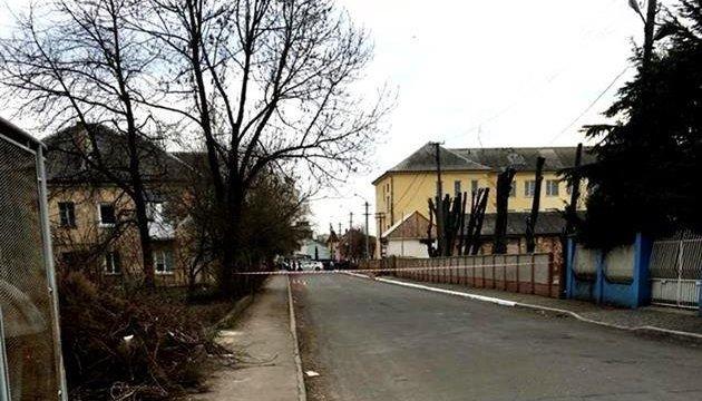 У лікарні помер учасник стрілянини в Мукачевому – ЗМІ