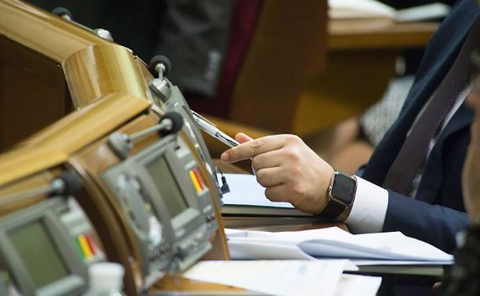 Закон об электронном декларировании вступает в силу уже завтра