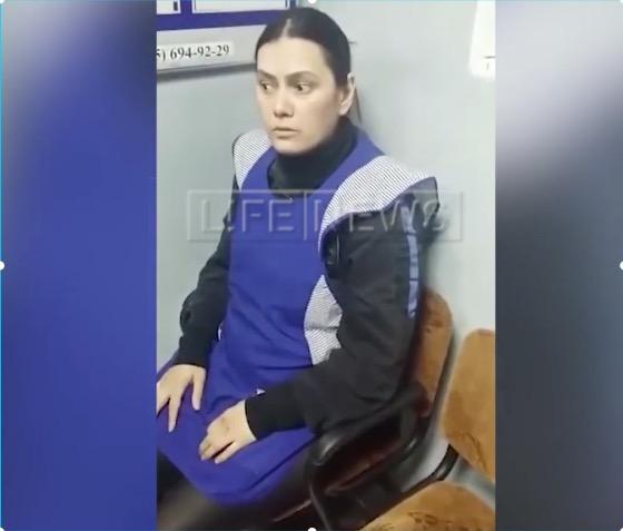 З'явилося відео допиту няні, яка вбила дитину у Москві (Відео)