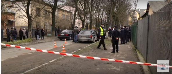 У Львові посеред міста у власному авто застрелився керівник великої компанії (ВІДЕО)