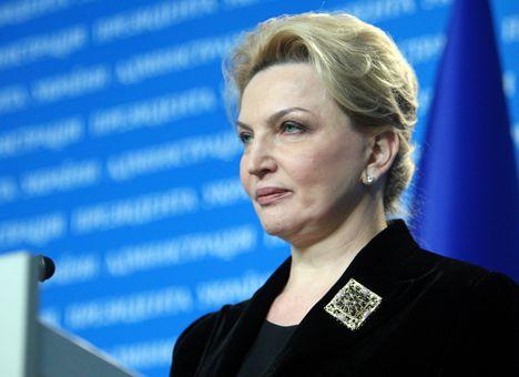 Рада ЄС опублікувала рішення про продовження санкцій проти Януковича та 15 екс-чиновників, виключивши Богатирьову