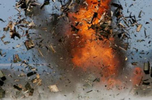 В Луганской обл. подорвался автомобиль с военными, трое погибли