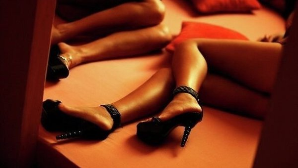 У ногу з часом! На Закарпатці почали замовляти проституток новим методом (ФОТО)