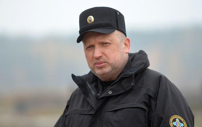 Турчинов сообщил последние данные о количестве российских военных в Донбассе