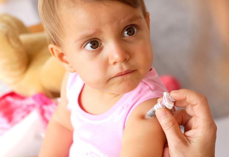 """Медицина по """"нашому"""". В Україні робили щеплення забороненою вакциною"""