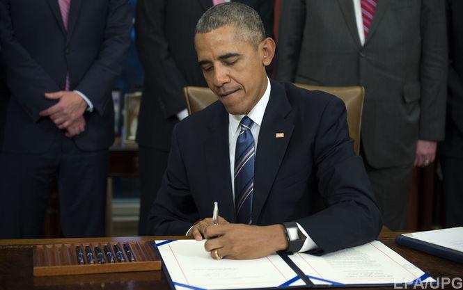 Обама продовжив санкції проти Росії