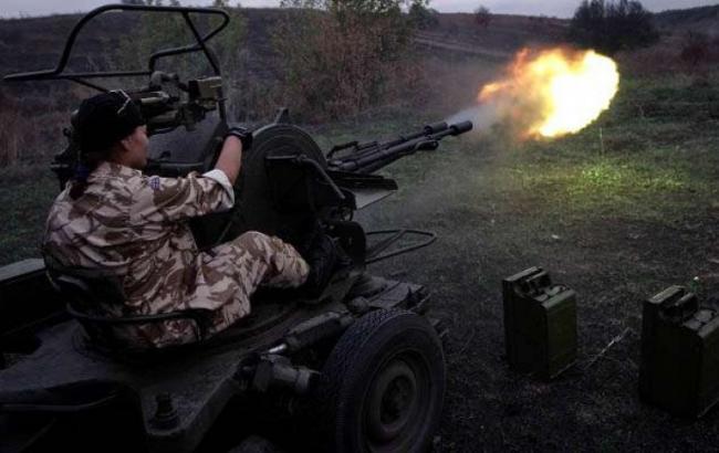 За сутки боевики 27 раз обстреляли силы АТО