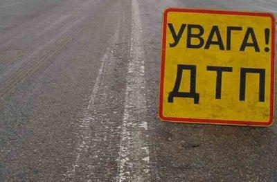 Масштабна аварія у Києві: зіштовхнулись дві фури і Nissan