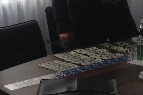 Голова поліції Черкащини намагався дати хабар за переатестацію