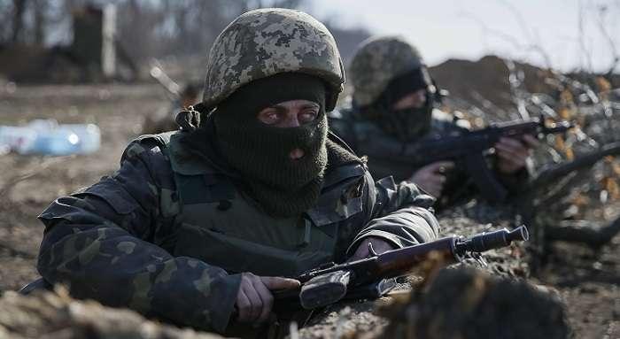 Бойовики атакували українських бійців поблизу Ясинуватої