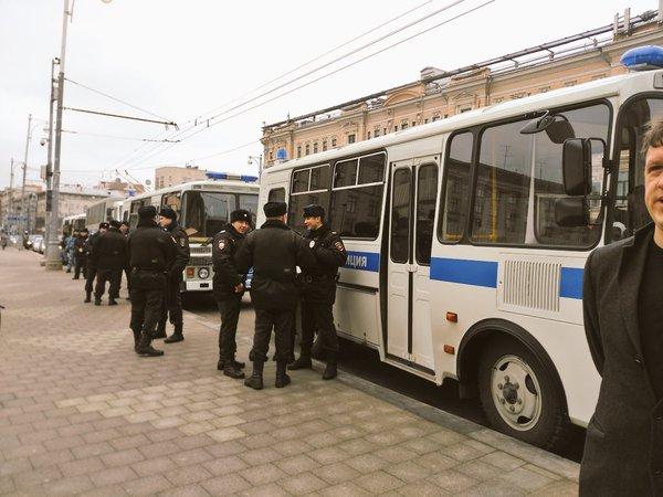 В Москве уже задержаны 35 человек за поддержку Савченко (Видео)