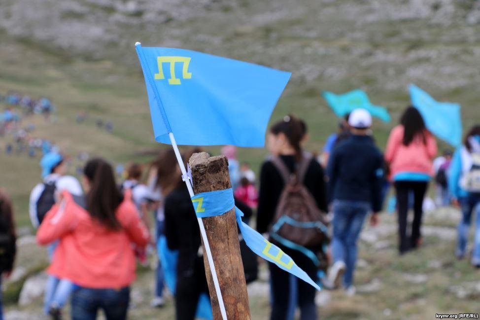 Еще трем крымским татарам запретили въезд в аннексированный Крым
