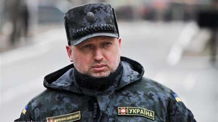 Турчинов пообіцяв нарощувати військову міць України