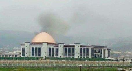 В столице Афганистана в здание парламента попала ракета
