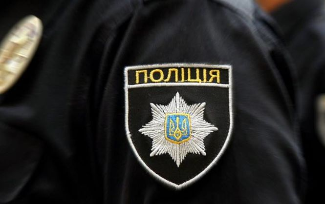 В Одессе полиция задержала пьяного правоохранителя на служебной машине