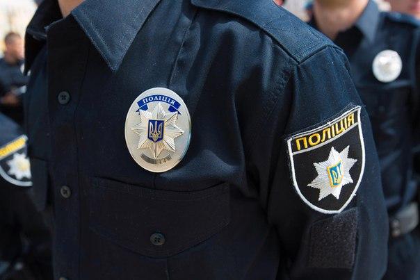 Водитель Audi A7 сбил патрульного Львова и поехал (ВИДЕО)