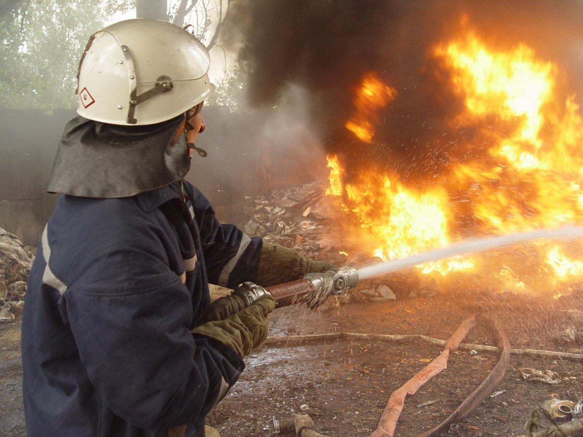 Мать с дочерью сгорели в собственной квартире на Львовщине
