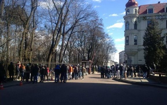 Климкину не понравилось нападение на ЛГБТ-активистов во Львове. Найем сравнил радикалов с титушками