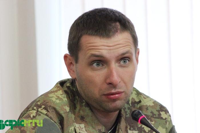 Парасюк заявил, что ему предлагали 20 млн, чтобы он не голосовал за отставку Яценюка