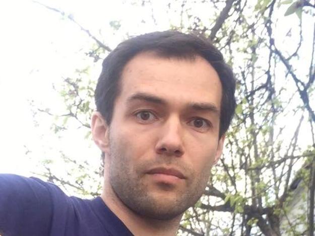 Прив'язав до дерева та бив шлангом: айтішник зі Львова виявився живодером (відео)