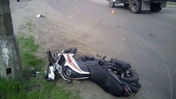 Жахлива ДТП: неповнолітній мотоцикліст насмерть збив 9-річну дівчинку (ФОТО)